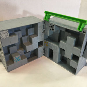 Mattel Minecraft Hard Plastic Storage Play Cube Ca